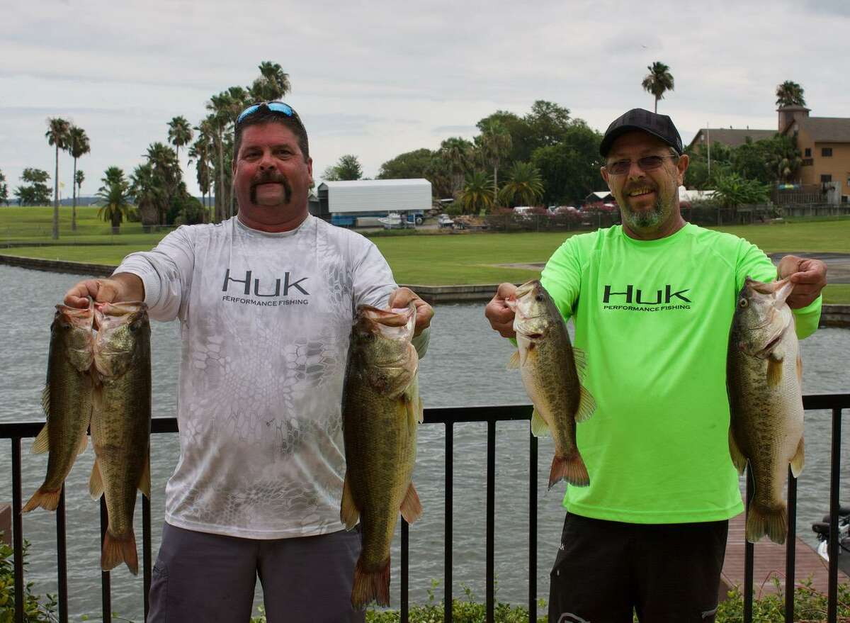 Johnny Keefer and Jeff Winders came in second place in the CONROEBASS Mid-Day Madness Tournament with a stringer weighing 22.26 pounds.
