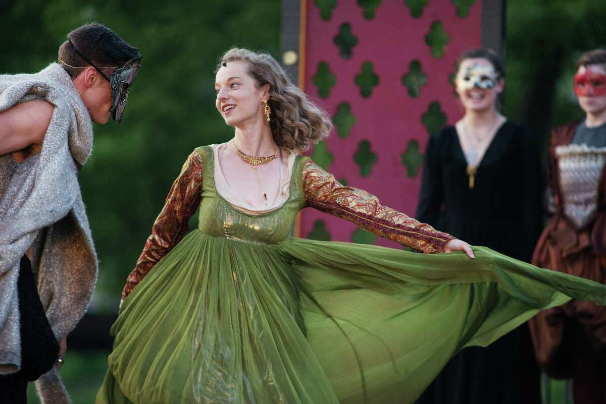 Marshall Taylor Thurman plays King Henry VIII, Kate McMorran as Anne Bullen.