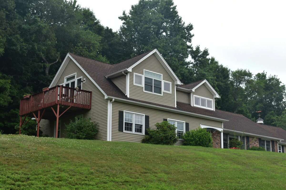 A Richter Drive home in Danbury, Conn., which sold in mid-July for $495,000, less than 1 percent below the asking price when it was listed two months earlier.