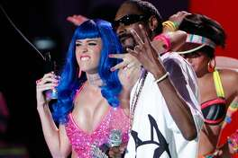 "2010: 'California Gurls' - #1: ""California Gurls"" by Katy Perry feat. Snoop Dogg - #2: ""Love the Way You Lie"" by Eminem feat. Rihanna - #3: ""Airplanes"" by B.o.B feat. Hayley Williams Katy Perry is back with another infectious anthem, again produced by Max Martin among others. A West Coast competitor to 2009's ""Empire State of Mind,"" ""California Gurls"" was instantly deemed the song of the summer and its performance on the charts did not disappoint. This slideshow was first published on theStacker.com"