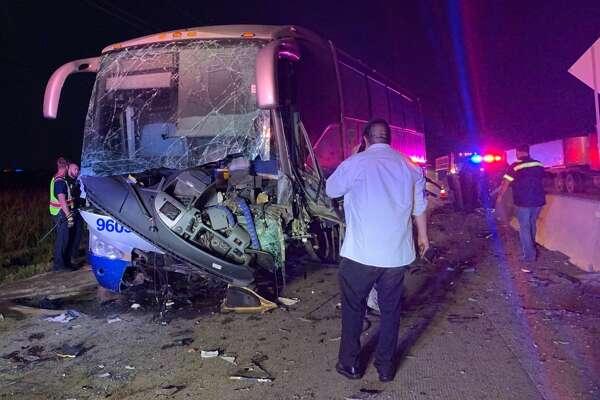 Charter bus crashes along I-69 in Rosenberg