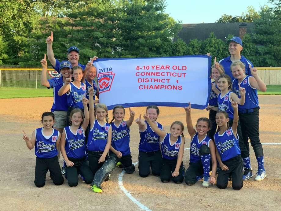 Darien's 10U Softball team are district champions. Photo: Darien Softball