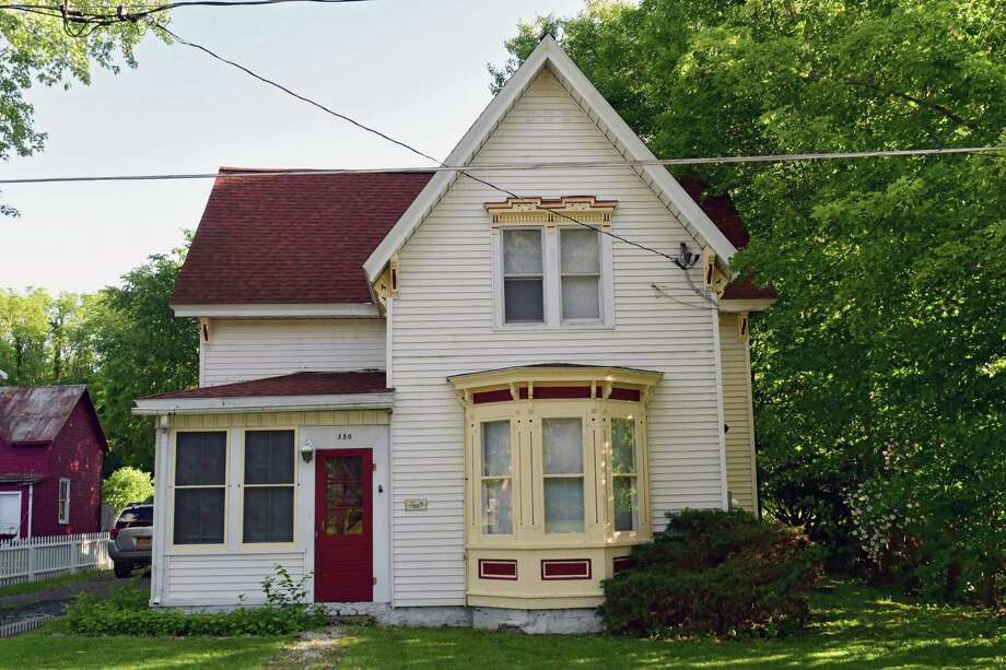 The Benjamin Chadsey House, Storekeeper, built in 1891 in the Vischer Ferry hamlet on Tuesday, June 11, 2019 in Clifton Park, N.Y. (Lori Van Buren/Times Union) Photo: Lori Van Buren / 40047188A