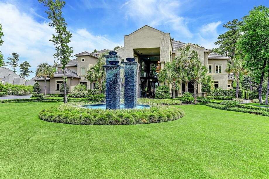 After a string of price reductions, the famous Woodlands house is now on the market for just under $7 million. Photo: Houston Association Of Realtors