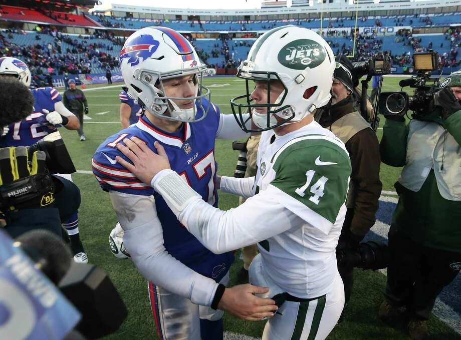 BETTING IN NEW YORK: Click through the slideshow to view bets allowed in New York. In the NFL, bet on the Jets or Bills to win the conference, cover the spread or make or miss the playoffs. Photo: Tom Szczerbowski, Getty / 2018 Getty Images