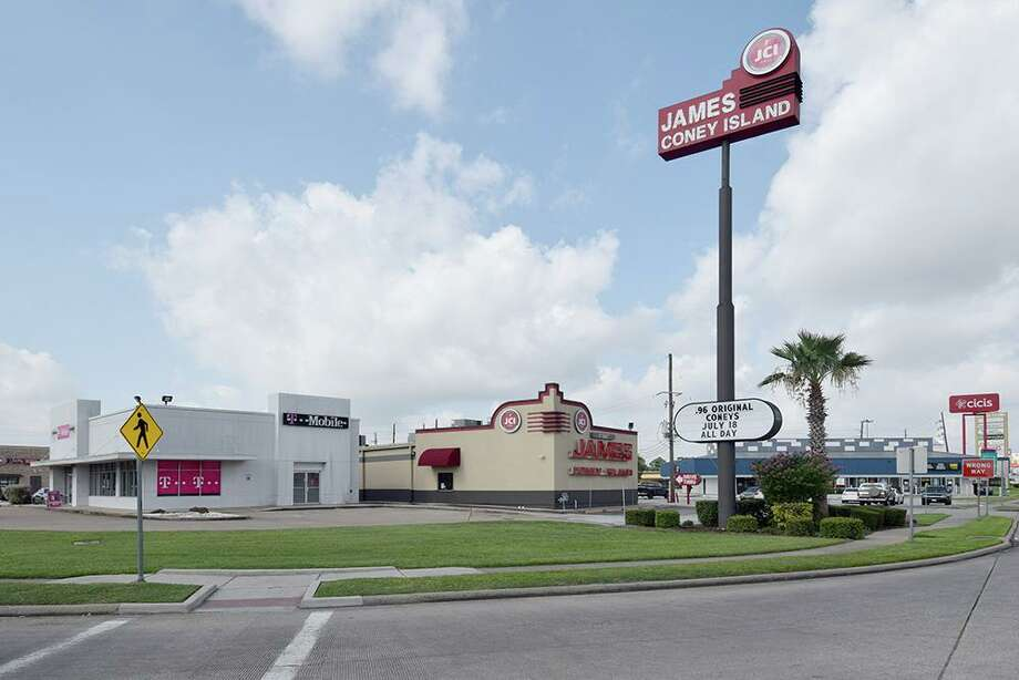 James Coney Island, T-Mobile, Shipley's Donuts, CiCi's Pizza and PLS Check Cashers are tenants at the North Triangle Shopsat FM 1960 and Interstate 45 in Spring.JLL marketed the property for the seller, Braun Enterprises. Photo: Tyler Ciavarra