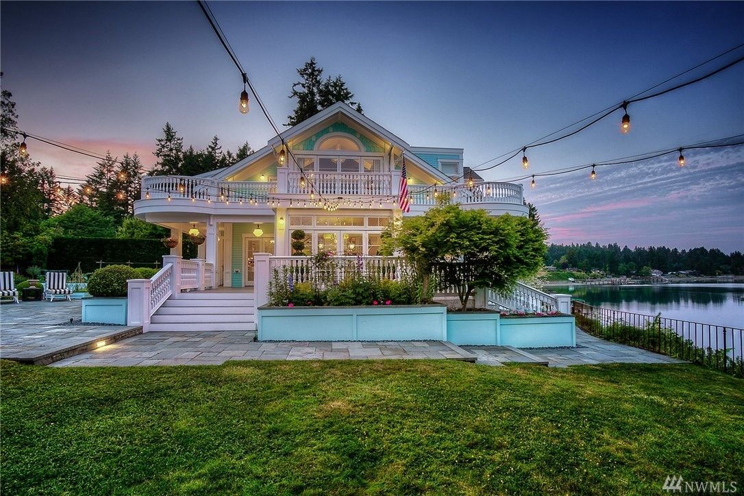 Live it up on the waterfront with this Vashon estate for $3.2 million