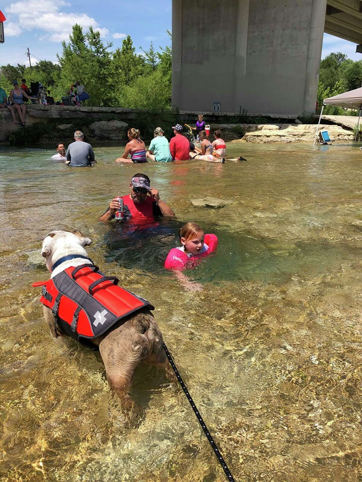 Monica Davila wanted to start a sweet and simple tradition when her Houston family and two others went floating on the Frio River near Uvalde last weekend.