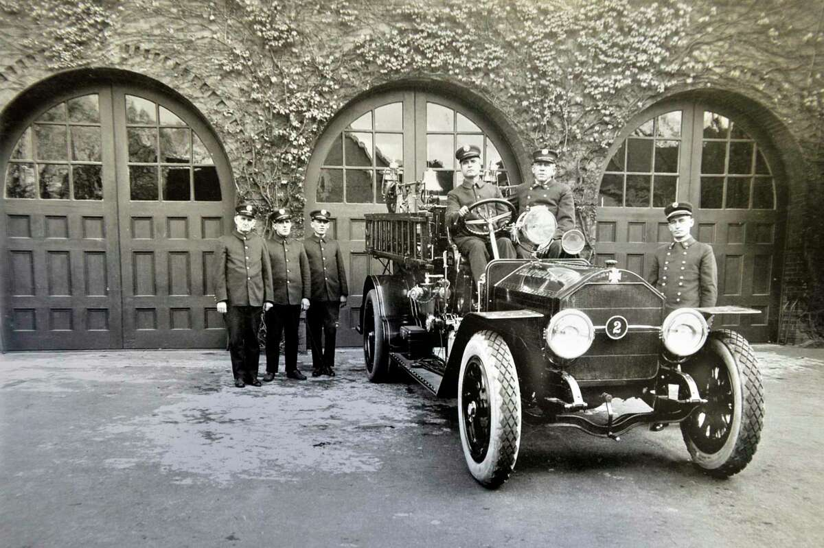 This photo shows the now abandoned South End Fire Station on the corner of Pacific and Henry streets in 1918.