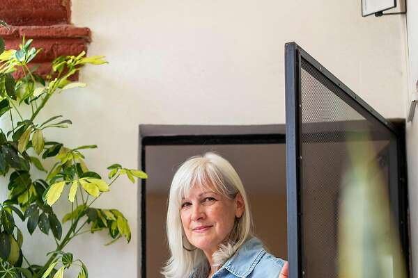 Claudia Peresman, who moved from Stonington, Conn., at her home in San Miguel de Allende, Mexico, June 22, 2019. As the number of U.S. retirees living overseas grows, more of them are confronting choices about medical care, because Medicare does not pay for care outside the country, except in limited circumstances. (Alejandro Cartagena/The New York Times)