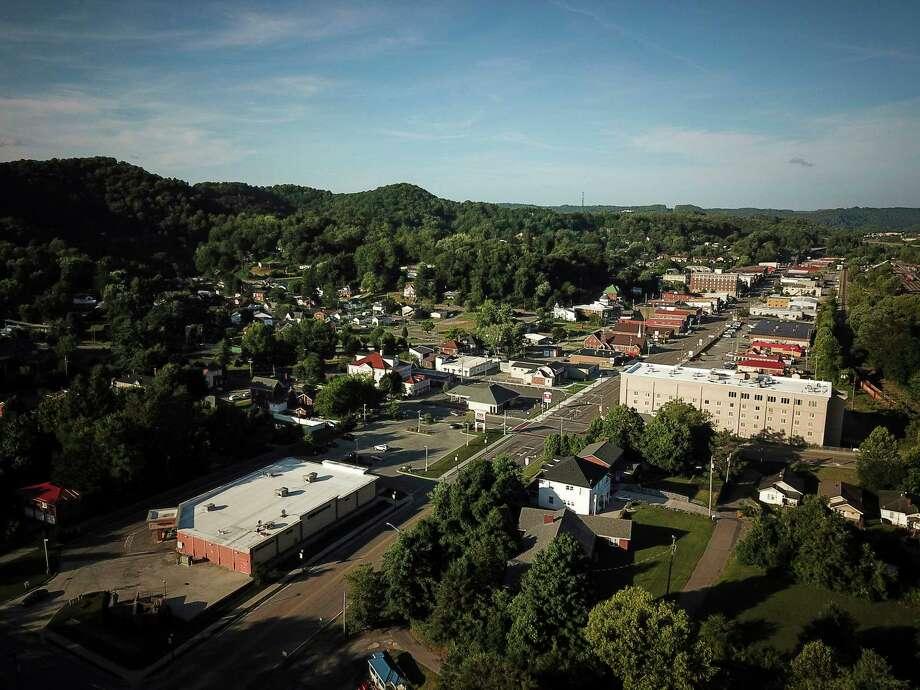 A Remote Virginia Valley Flooded By Prescription Opioids