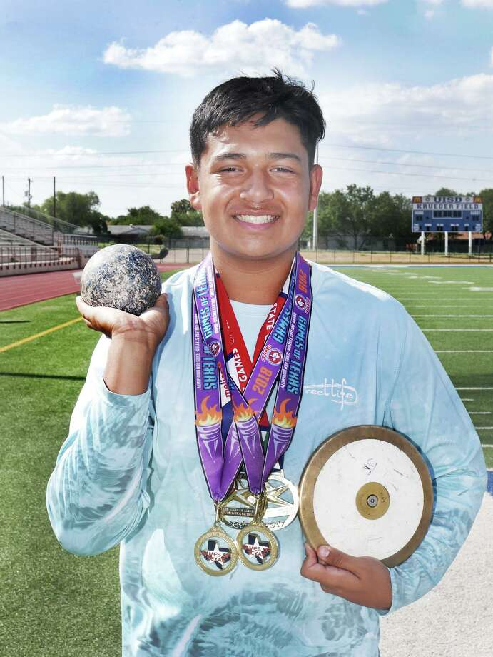 Laredoan Julian Tijerina qualified for the Summer Games of Texas last year by winning gold in the shot put and discus in the 14 and under division at the TAAF Regional Track Meet it Pharr. Photo: Cuate Santos / Laredo Morning Times / Laredo Morning Times