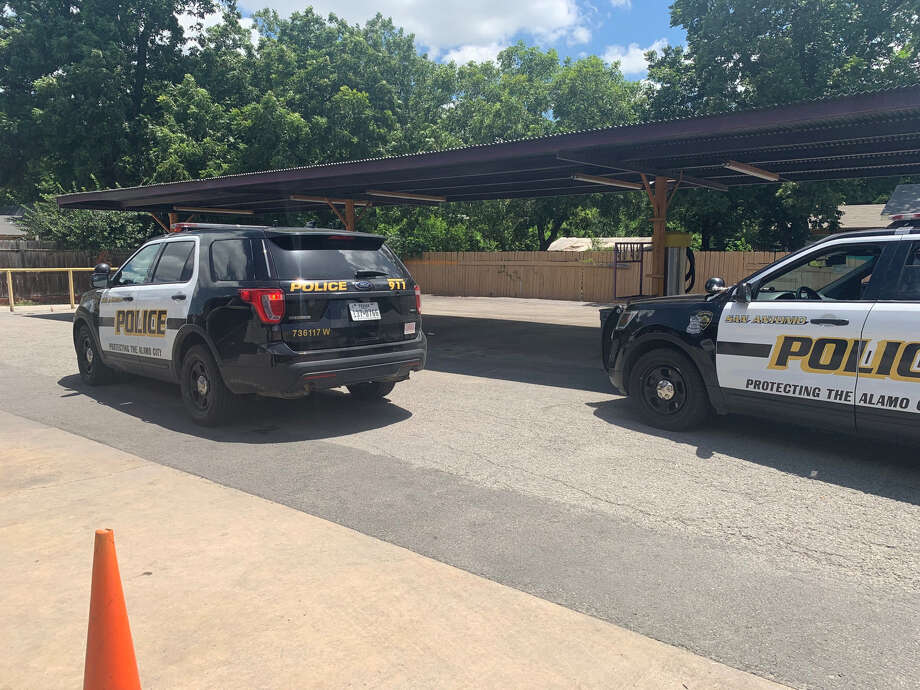A man was shot while vacuuming his vehicle Friday at a car wash on the city's West Side, according to the San Antonio Police Department. Photo: Priscilla Aguirre