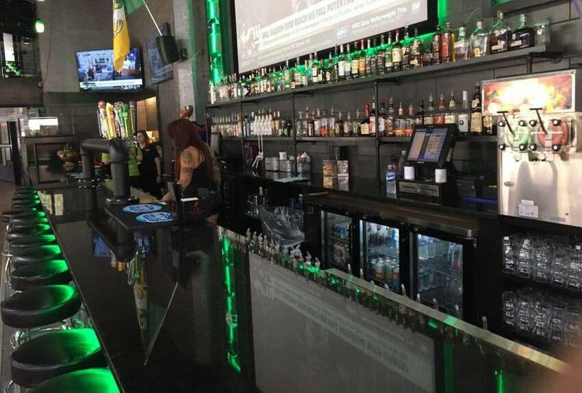 29. Maddy McMurphy's Irish Sports Bar420 E. Houston St.
