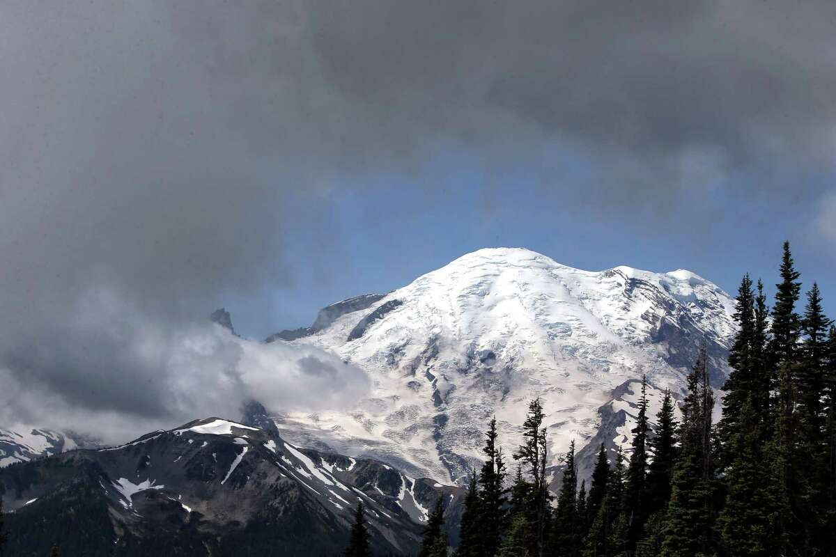 Eatonville woman dies after falling down slope at Mt Rainier
