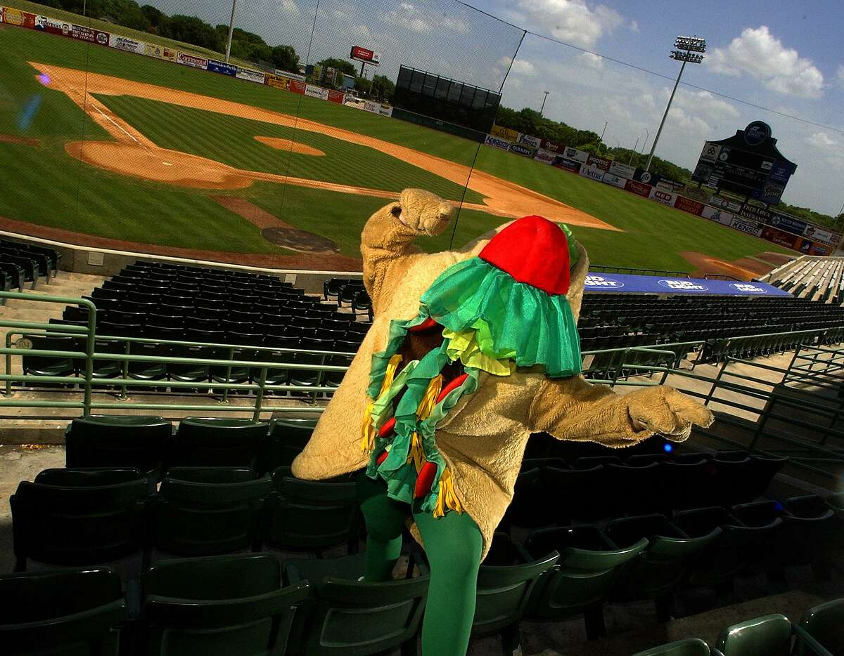 Henry the Puffy Taco, the mascot for the San Antonio Missions, was also featured in the episode.