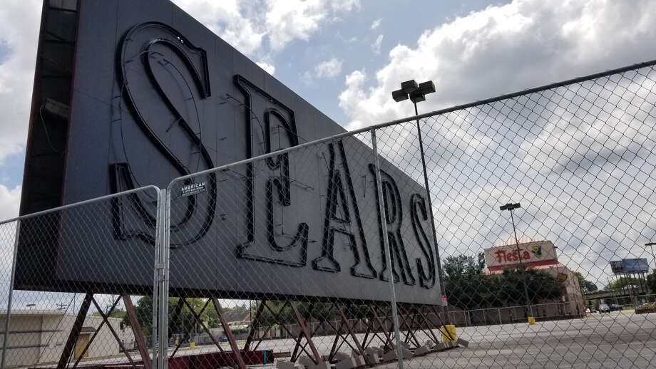 The Sears sign, as it appeared in July 2019. Photo: J.R. Gonzales