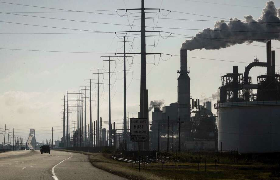 The Valero refinery, Tuesday, Nov. 20, 2018, in Port Arthur. NEXT: See the world's biggest refineries. Photo: Jon Shapley, Staff Photographer / Staff Photographer / © 2018 Houston Chronicle