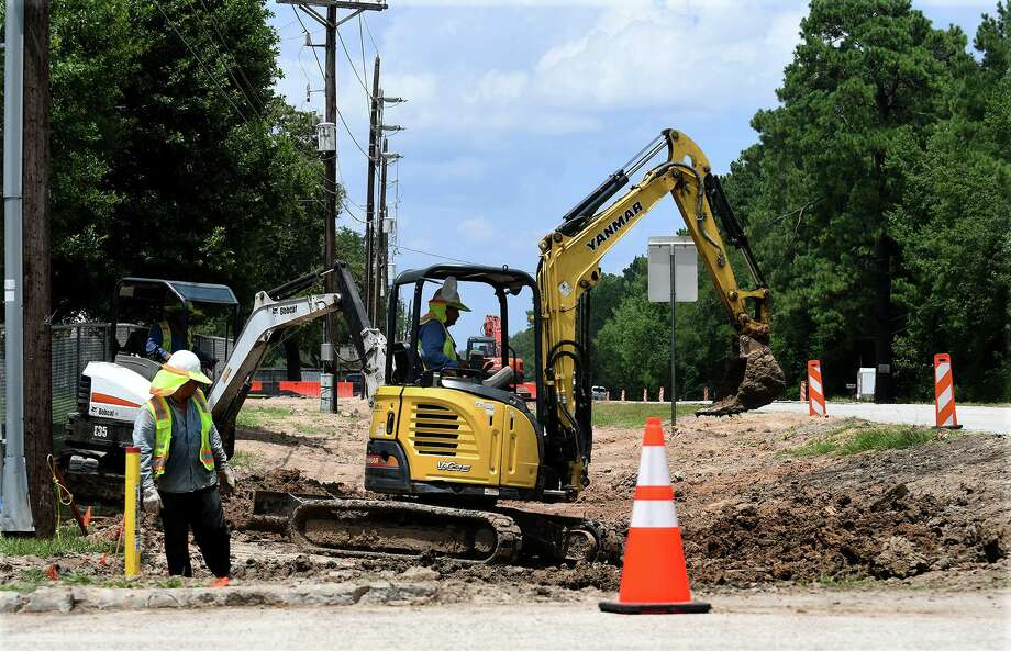 Construction continues of FM 494 on July 19, 2019. Photo: Jerry Baker, Houston Chronicle / Contributor / Houston Chronicle