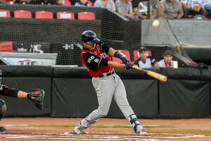 Tecolote Dos Laredos third baseman Josh Rodriguez