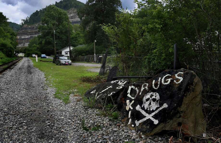 Logan County, W.Va., saw more than 45 million oxycodone and hydrocodone pain pills between 2006 and 2012, according to a DEA database. Photo: Washington Post Photo By Michael S. Williamson / The Washington Post