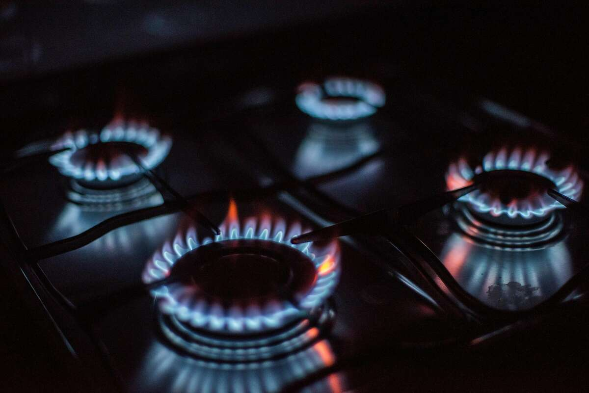 Rings of fire: four lighted gas stove burners. (Photo by: Felipe Rodriguez/VWPics/Universal Images Group via Getty Images)