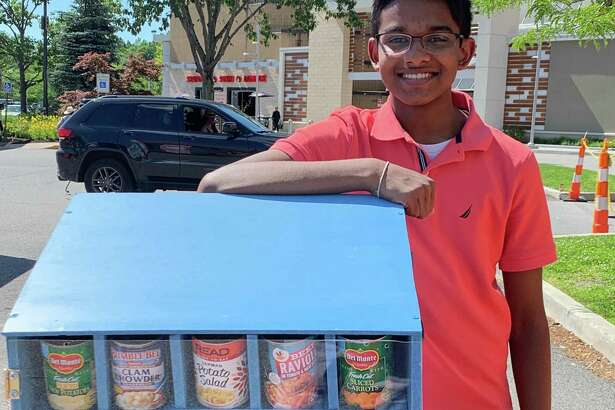 Navod Jayawardhane designed this box that dispenses food and electronically tracks when it needs to be refilled.