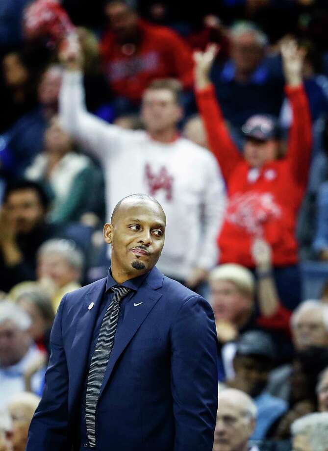 Memphis head coach Penny Hardaway is not a fan of UConn leaving the AAC. Photo: Mark Weber / The Commercial Appeal / The Commercial Appeal