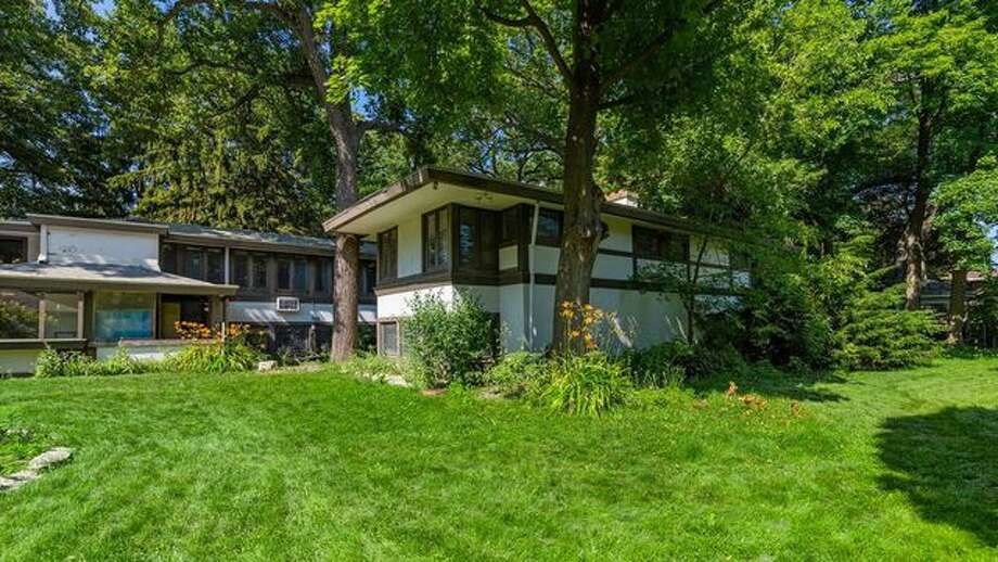 Frank Lloyd Wright Fixer-Upper Is for Sale, but the Repairs? Scary