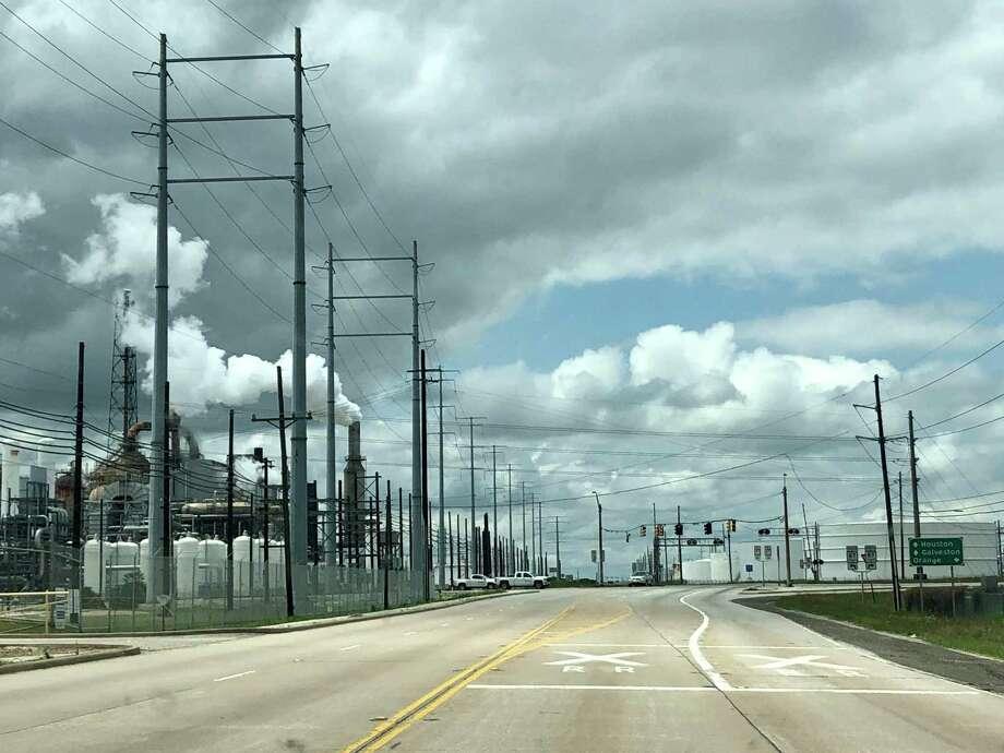 Valero Energy's Port Arthur, Texas refinery. Photo: Sergio Chapa / Houston Chronicle