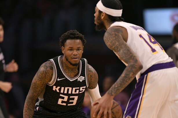 LOS ANGELES, CA - DECEMBER 30: Ben McLemore #23 of the Sacramento Kings guards Brandon Ingram #14 of the Los Angeles Lakers at Staples Center on December 30, 2018 in Los Angeles, California. Lakers won 121-114. (Photo by John McCoy/Getty Images)