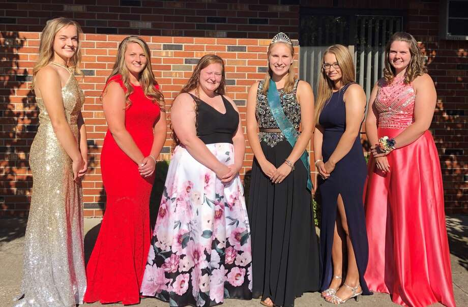 The Huron County Bean Queen candidates, from left, are: Emma Irion, Allison Holdwick, Courtney Stewart, 2018 Huron County Bean Queen Ashley Puvalowski, Kristen Shupe and Clara Tait. Photo: Submitted Photo