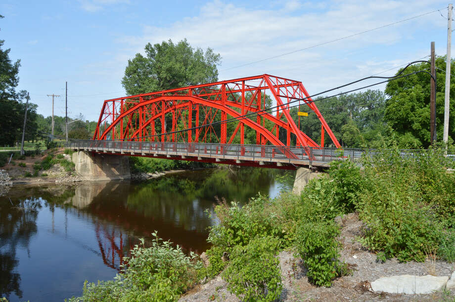 The historic Currie Parkway Bridge, which crosses the Tittabawassee River in Midland, has been repaired and it open again to one-way traffic as of July 23, 2019. (Ashley Schafer/ashley.schafer@hearstnp.com) Photo: Ashley Schafer