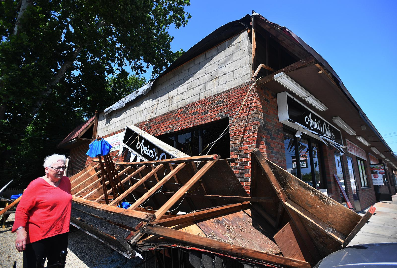 No injuries when awning falls from café