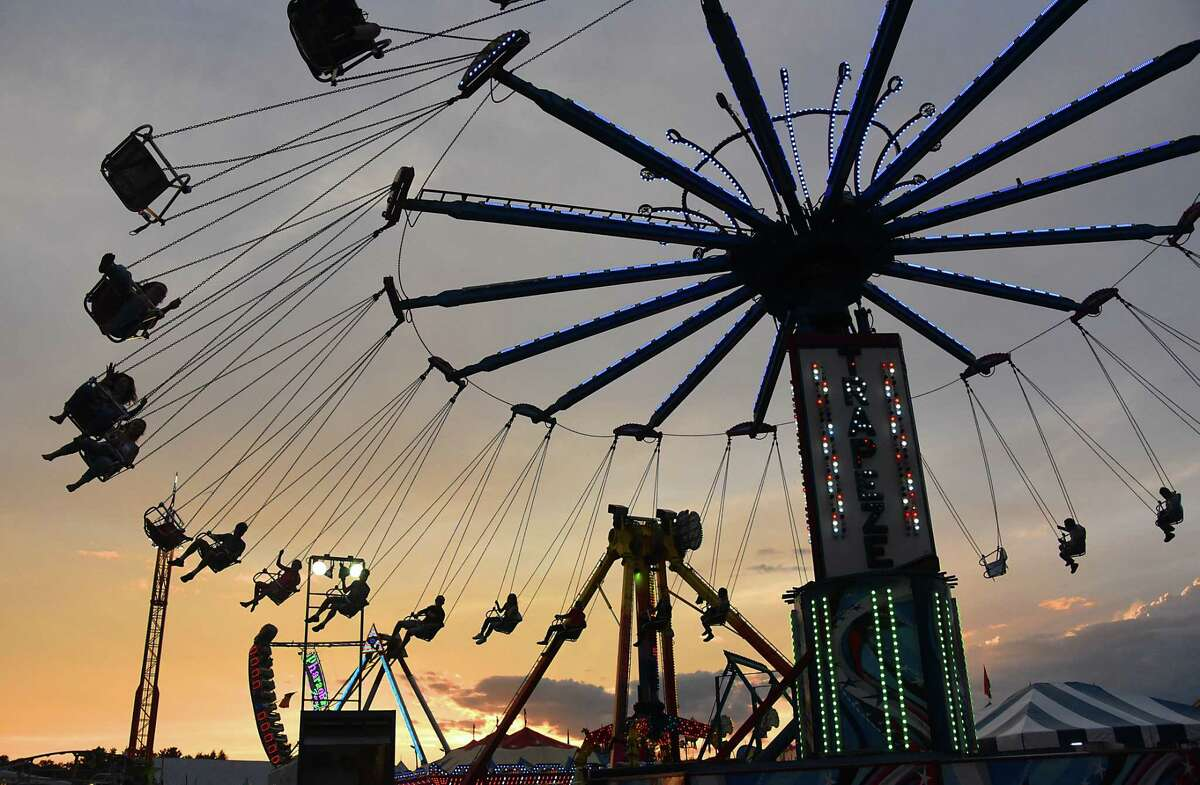 Click through the slideshow for 25 things to do this weekend.
