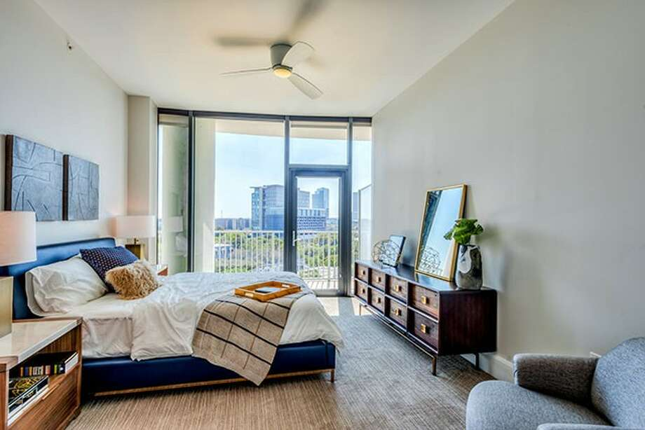 Residences at Kirby Collection  Where: 333 Lake St. 1-bedroom: Starts at $2,960 2-bedroom: starts at: $4,820 Photo: Houston Association Of Realtors / the photo shop,llc
