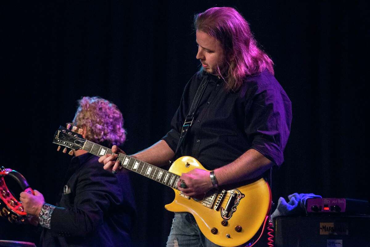 Guitarist Will Owen Gage is livestreaming a set on Friday.