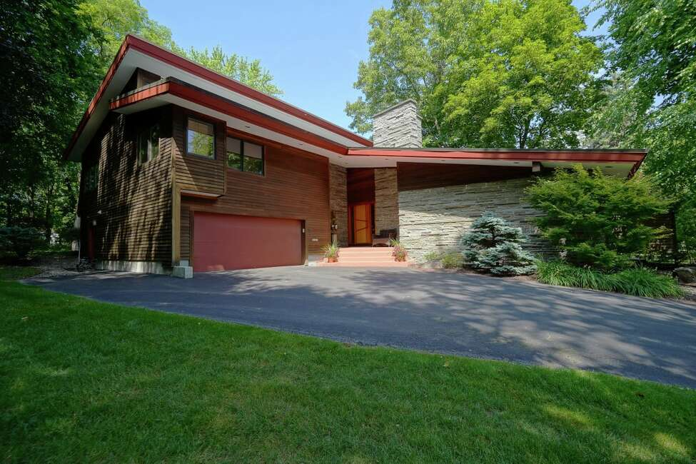 House Of The Week Frank Lloyd Wright Style In Colonie