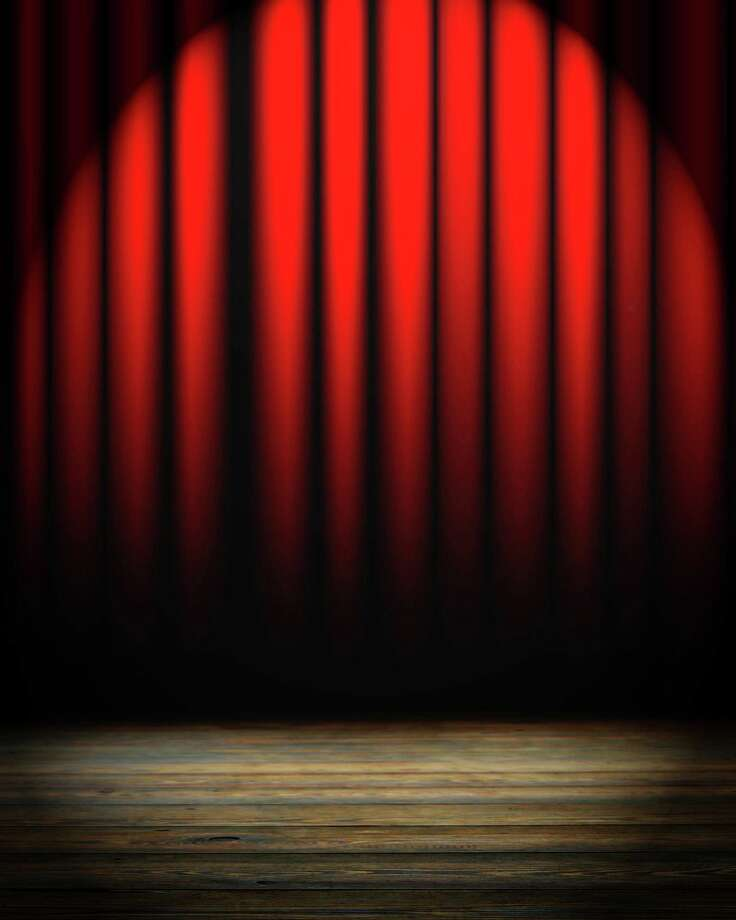 red movie or theater curtain with some folds in it Photo: Argus - Fotolia / Argus - Fotolia