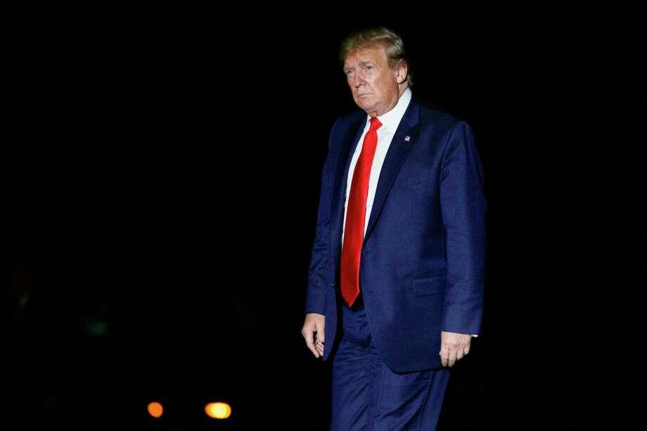 Un juez federal de California le impidió el miércoles al gobierno del presidente Donald Trump aplicar nuevas restricciones a las solicitudes de asilo de los migrantes que cruzan la frontera entre México y Estados Unidos. Photo: Carolyn Kaster /Associated Press / Copyright 2019 The Associated Press. All rights reserved