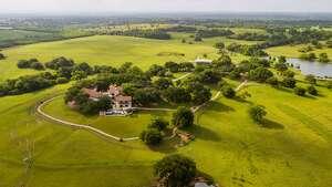 Washington, Texas :  18051 Pickens Road     Acreage : 400    List price : $9.9 million