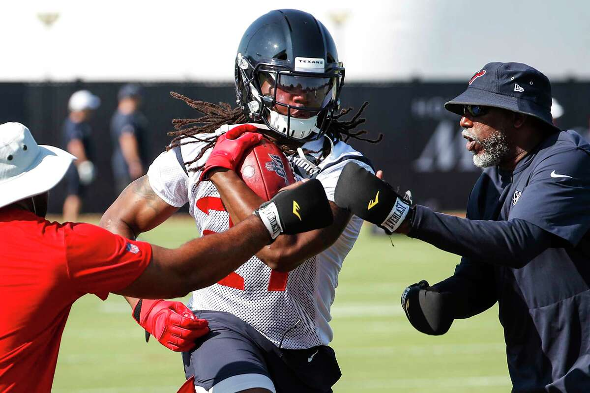 Houston Texans running back D'Onta Foreman (27) runs a drill during training camp at the Methodist Training Center on Thursday, July 25, 2019, in Houston.