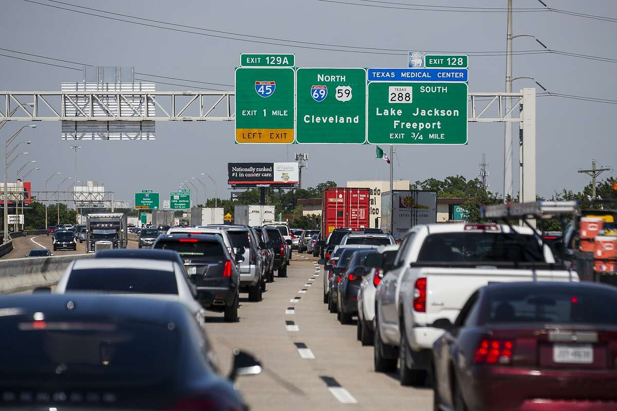 >>>Check out all of the latest traffic updates, road closures and delays in and around the greater Houston area for the Thanksgiving holiday week.