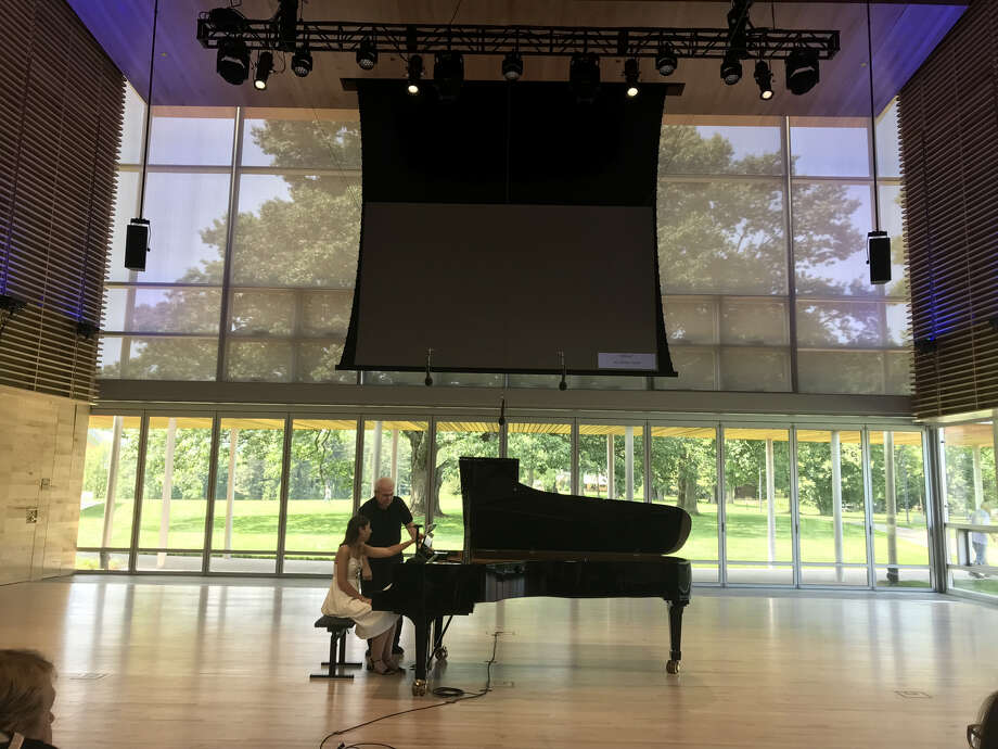 Emanuel Ax and Mathilde Handelsman in a master class at the Linde Center at Tanglewood (photo by Amy Biancolli) Photo: Emanuel Ax And Mathilde Handelsman In A Master Class At The Linde Center At Tanglewood (photo By Amy Biancolli)