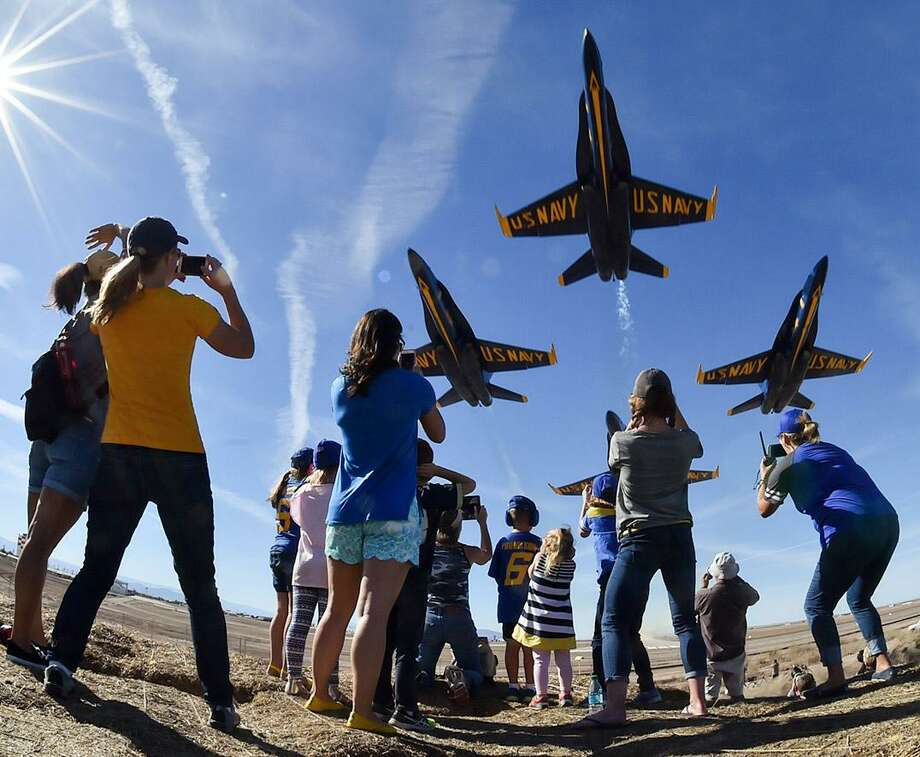 U.S. Navy Blue Angels 2017 season Photo: U.S. Navy Blue Angels
