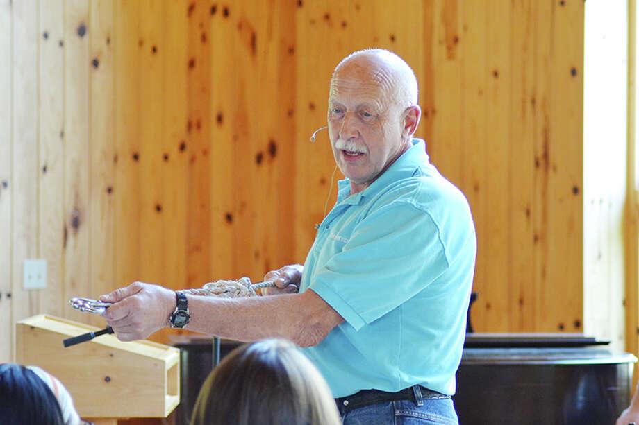 NatGeo's 'Dr  Pol' visits students at Eagle Village - Times