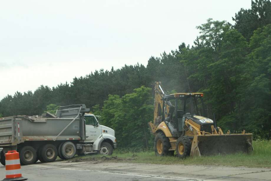 While drivers may see slower travel times in the days leading up to the Fourth of July holiday weekend, officials say all lanes will be open on US-131 in Mecosta County from 3 p.m. on Wednesday, July 3 until 6 a.m. on Monday, July 8 as work crews halt construction on highways across the state.