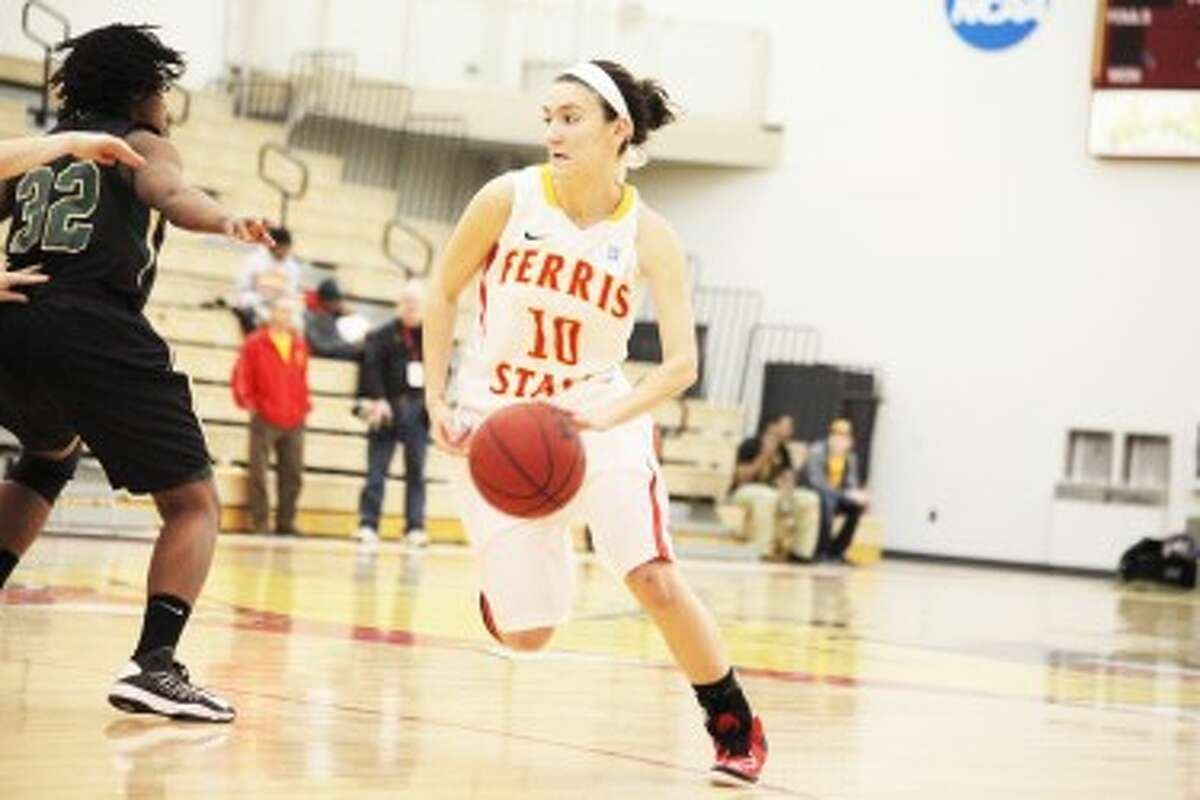 LEADING THE WAY: Ferris State guard Kylie Muntz was named the recipient of the FSU Jimmy Swears Courage award for the second straight season after leading the Bulldogs in her senior season despite dealing with her father's battle with lung cancer and his eventual passing during the season. (Pioneer file photo)
