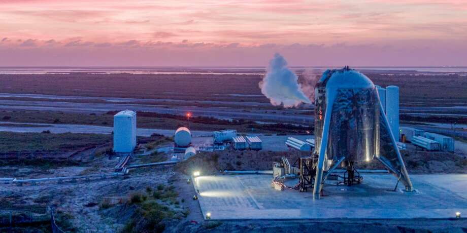 >> Click through the following gallery to see previous SpaceX projects. Photo: SpaceX Via DearMoon