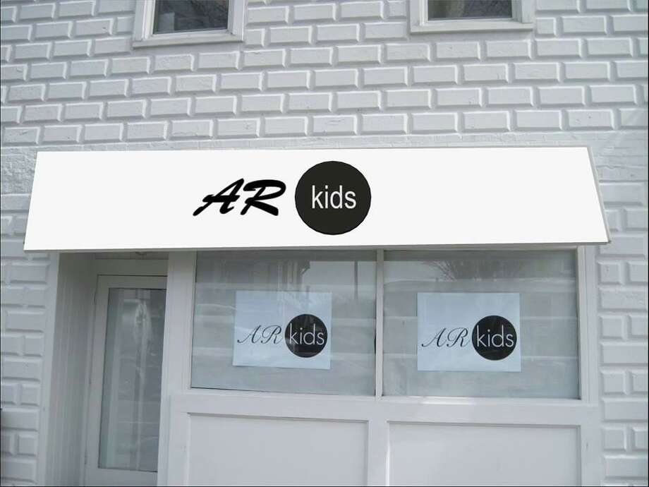 AR Kids left a sign on its window at 416 Main Street indicating the store will be closing and a final sale will be happening at its sister store, Audrey Road. Photo: Facebook